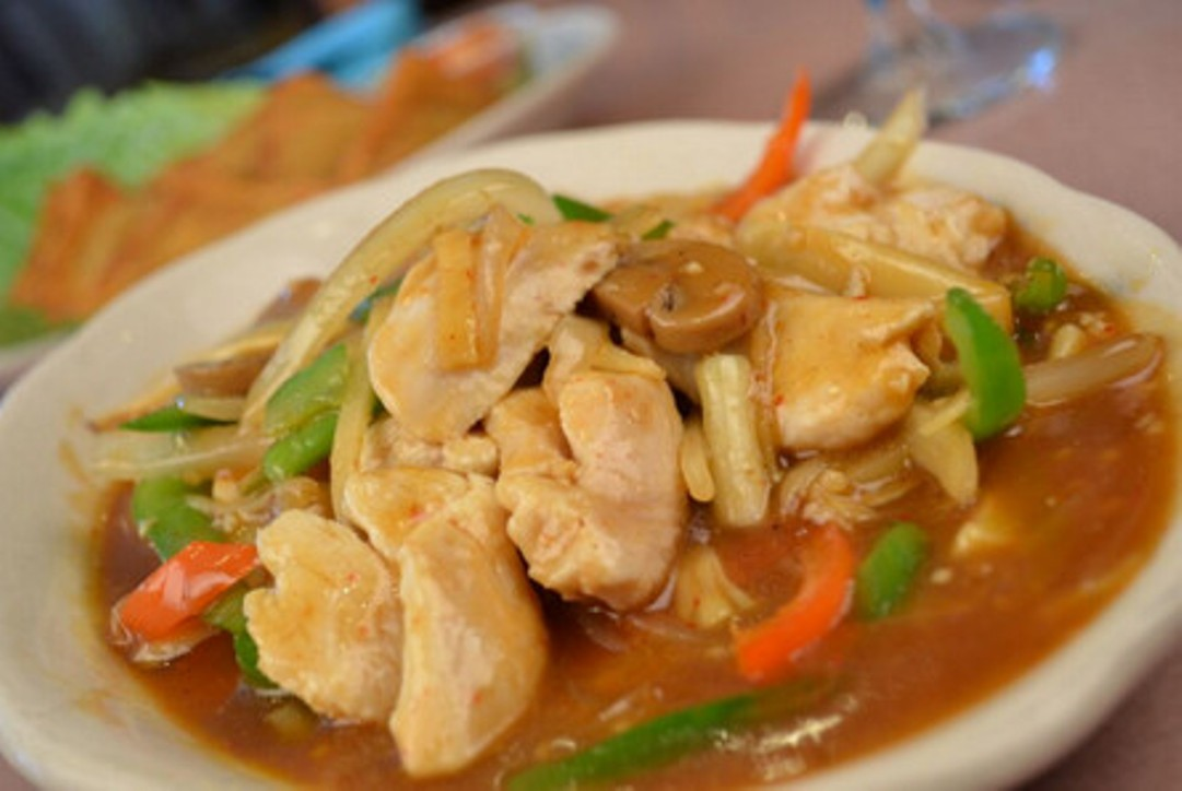 One thai restaurant authentic thai cuisine for Authentic thai cuisine